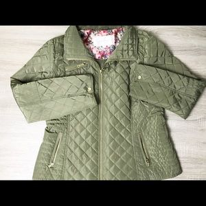 Jessica Simpson military green puffer jacket.